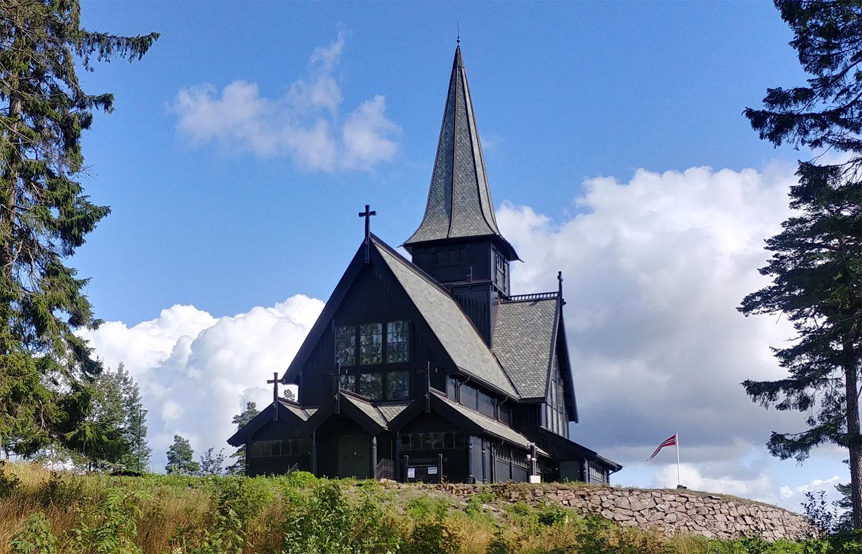 En symbole d'espoir, les églises norvégiennes sonneront une fois par semaine