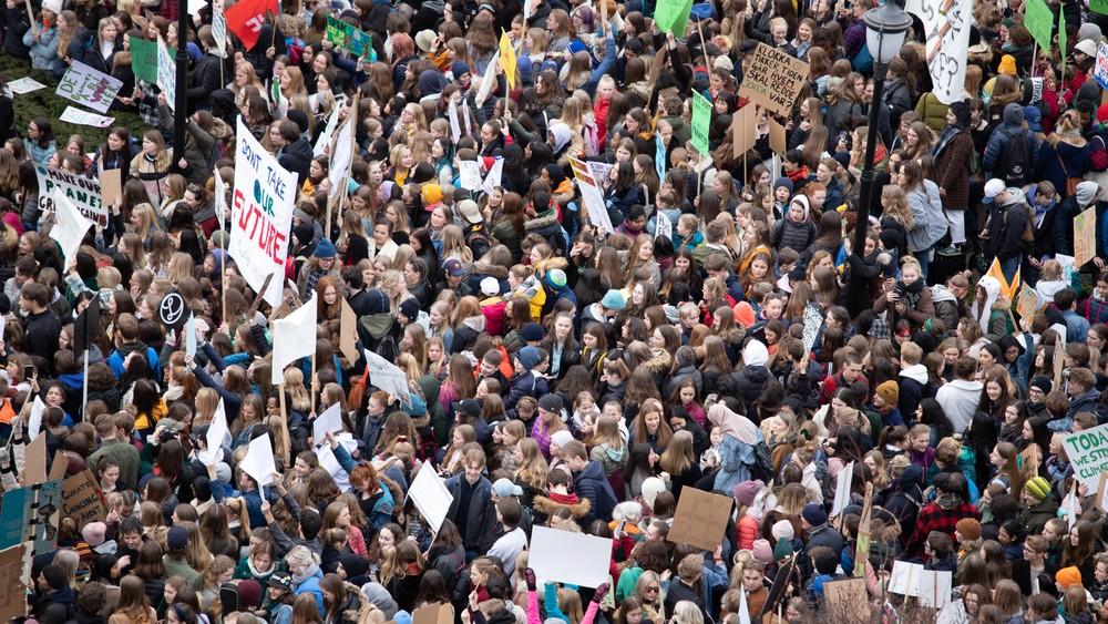 Le prince héritier de Norvège soutient les grèves sur le climat