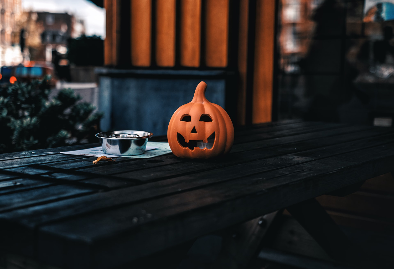 Norvège : la pandémie de coronavirus s'invite à Halloween