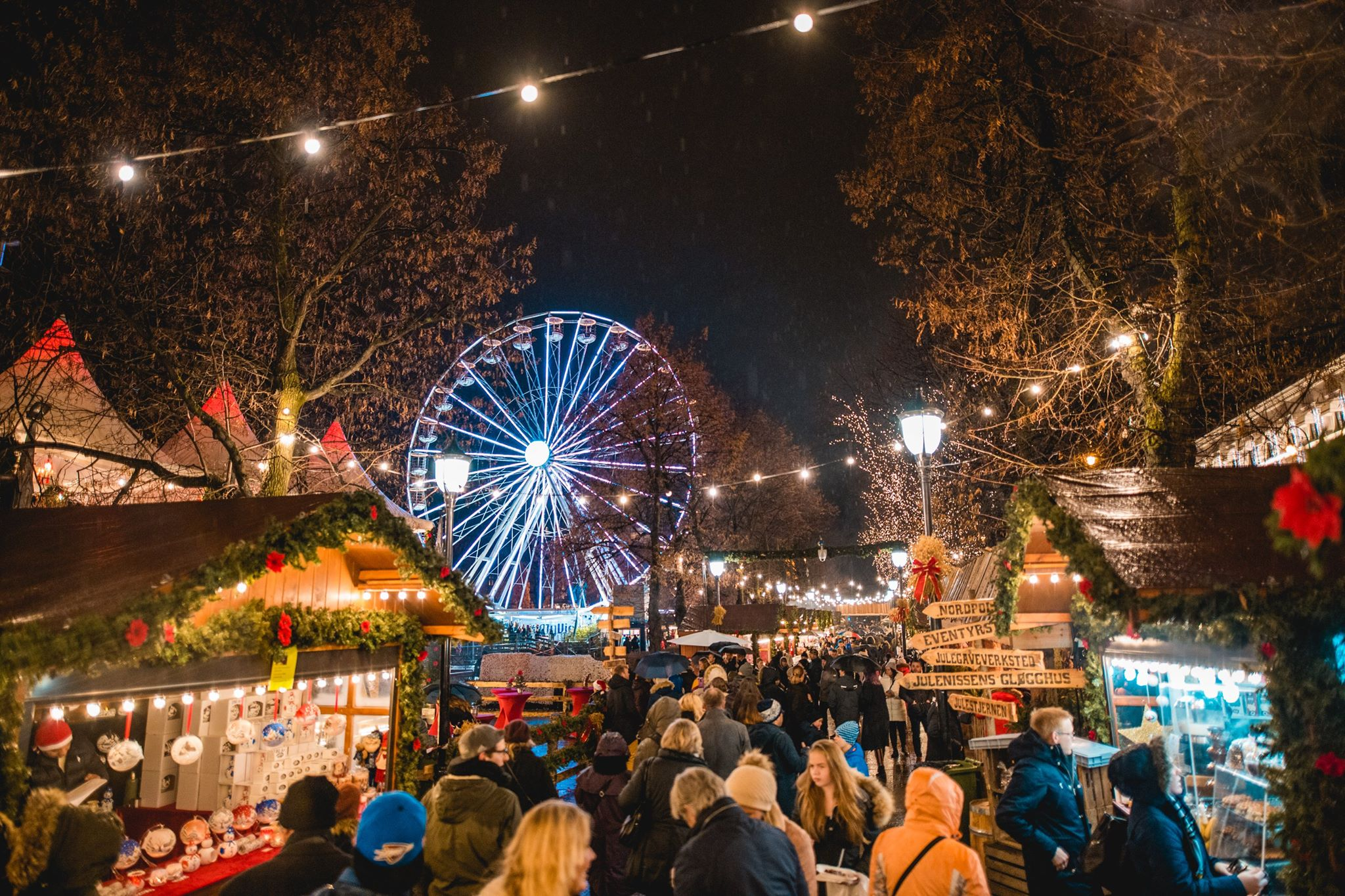 Oslo se pare de mille feux pour Noël