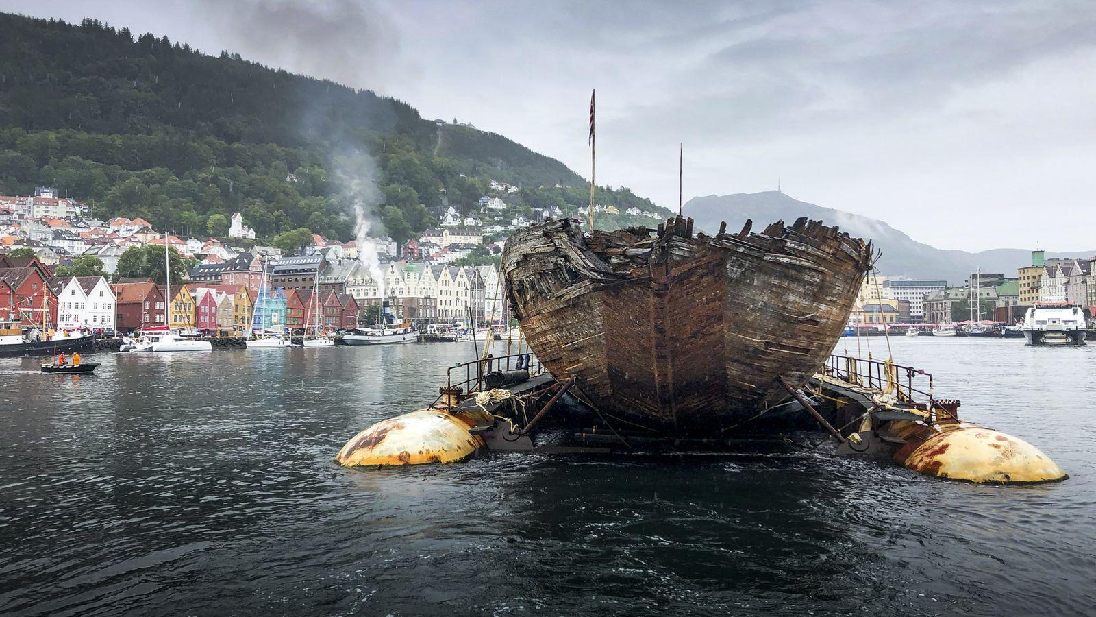 Le navire de l'explorateur Roald Amundsen rentre en Norvège après un siècle