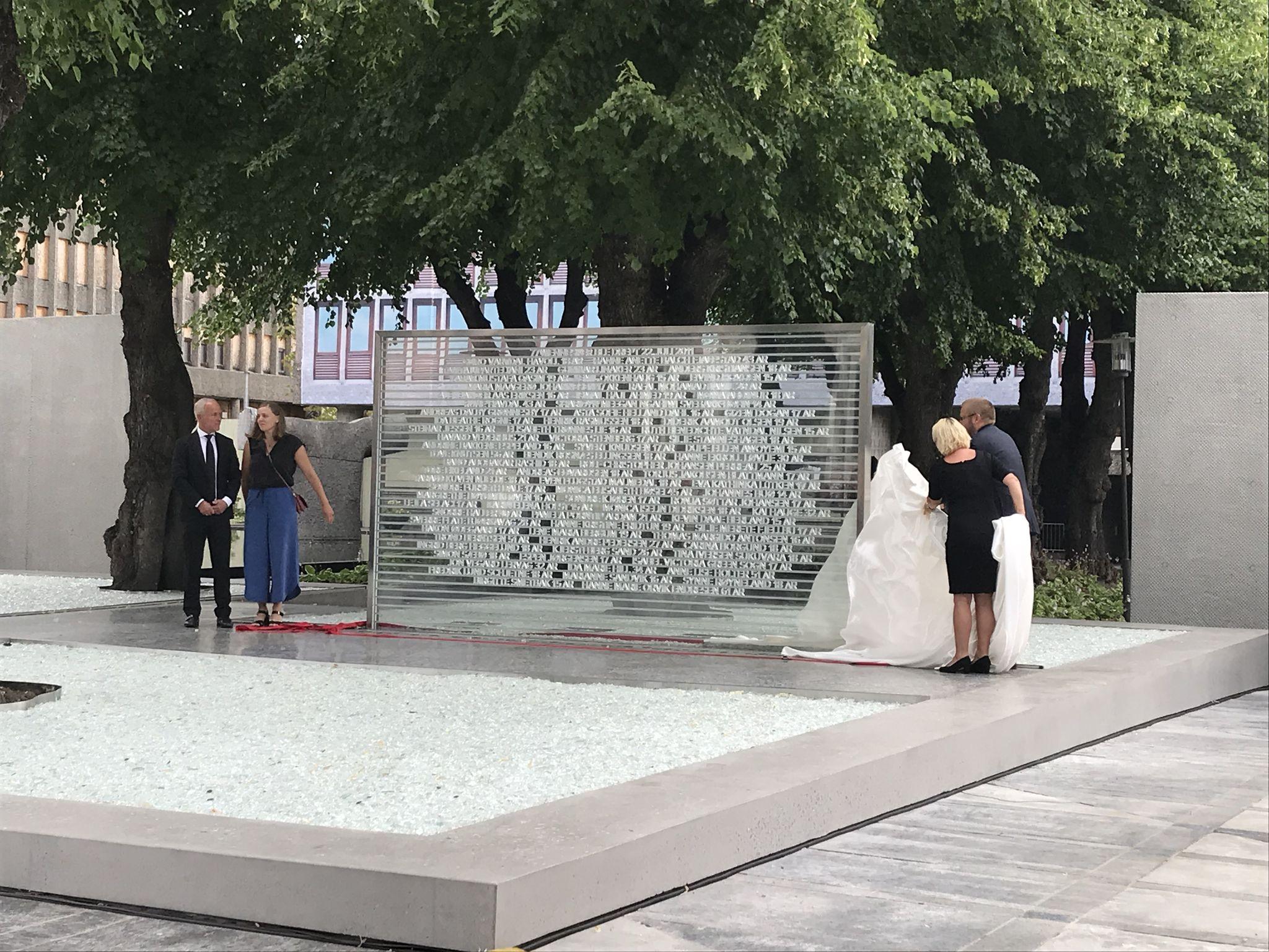 22 juillet : inauguration du monument aux morts à Oslo