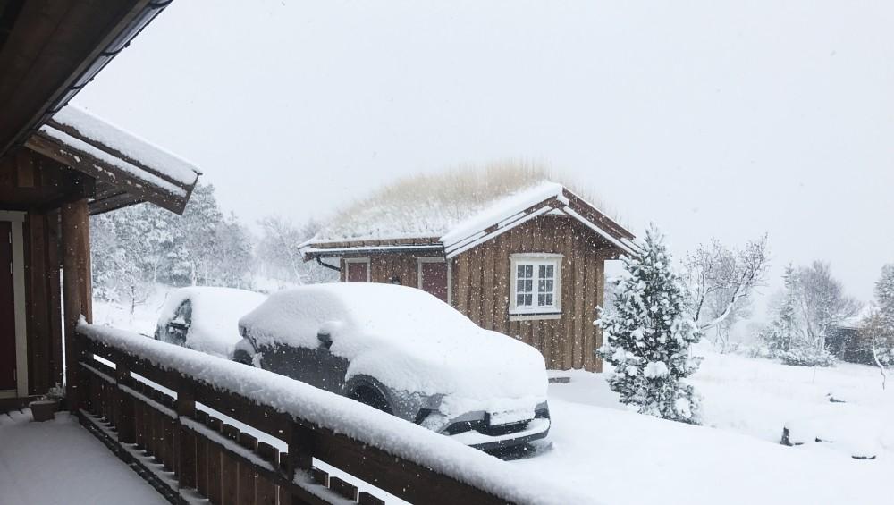 La neige fait son arrivée dans les montagnes norvégiennes
