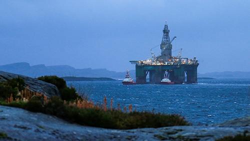 L'organisation écologiste salue l'annonce du gouvernement norvégien de se désengager des compagnies pétrolières