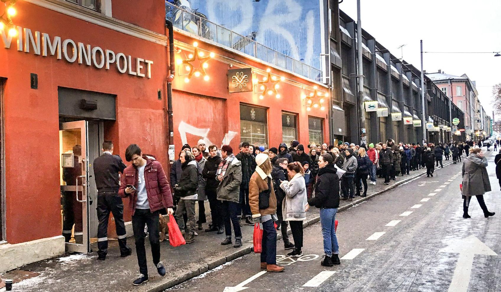 Nouvel an : une longue file d'attente chez Vinmonopolet