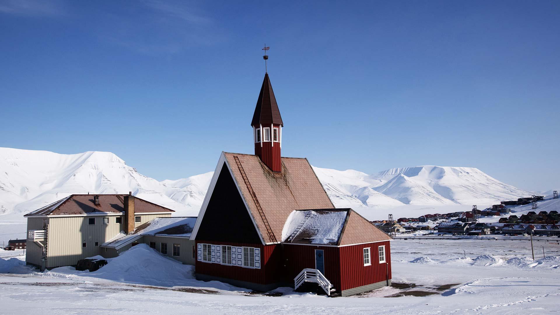 Longyearbyen, la ville où il est interdit de mourir