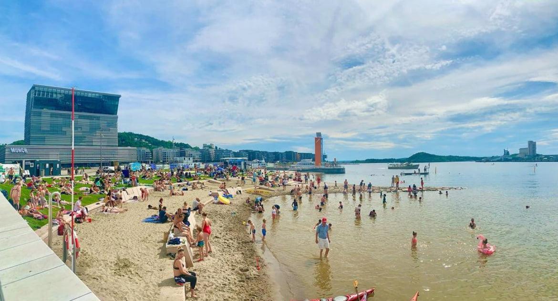 Oslo inaugure une nouvelle plage entre l'Opéra et le nouveau musée Munch